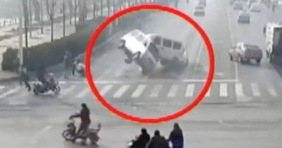 Diese Autos fangen plötzlich an zu schweben!