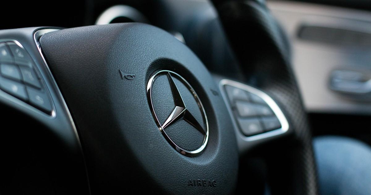 Lexy Roxx: Ein heißer Stern mit Liebe für Autos