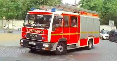 Hier greift die Feuerwehr richtig durch