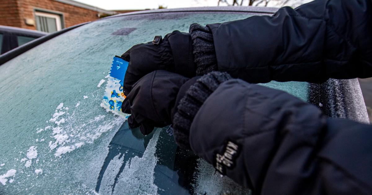 Kein Eiskratzen mehr: 7 Tricks gegen eine zugefrorene Scheibe