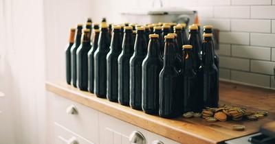 Bierflasche öffnen ohne Flaschenöffner!