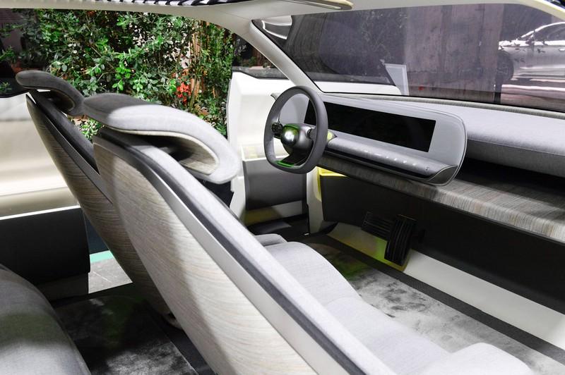 Zu sehen ist das Cockpit eines Hyundai Ioniq 5.