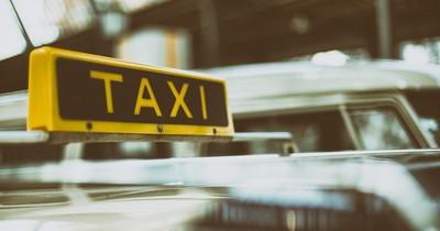 Verrückte Taxi-Stories: Betrunkener Mann fährt 600 km nach Hause