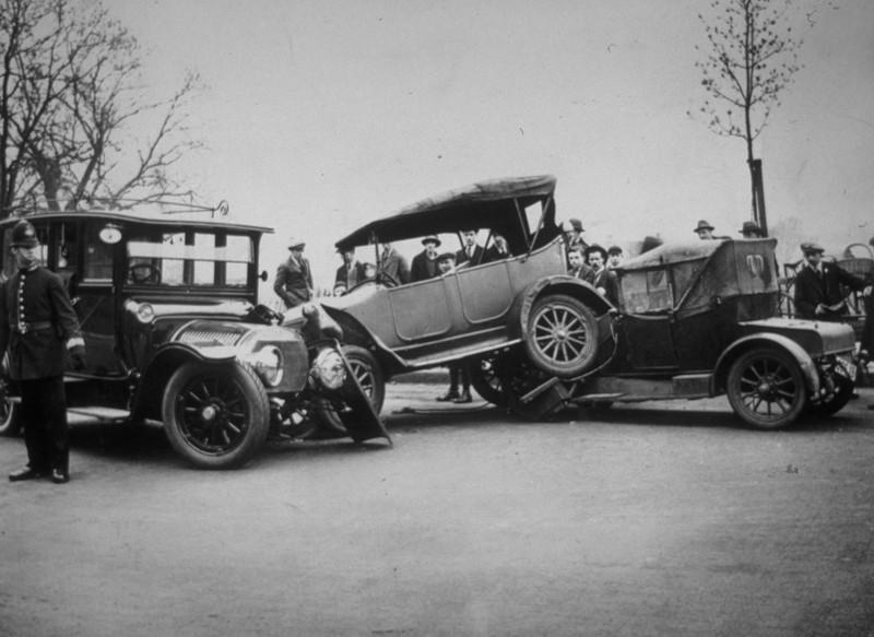 1896 ereignete sich der erste tödliche Autounfall in der Menschheitsgeschichte.