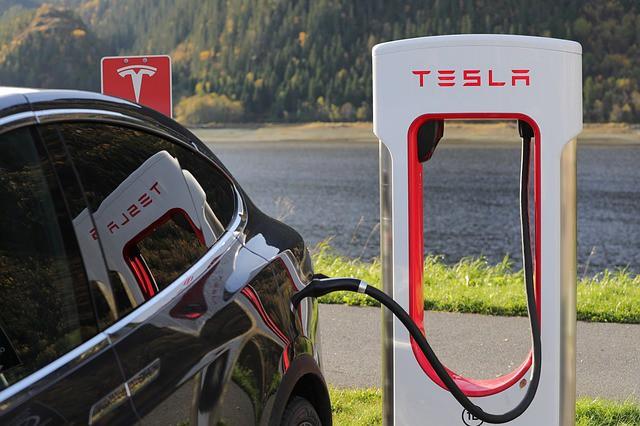 Auf den Tesla Model 3 müssen wir noch etwas warten