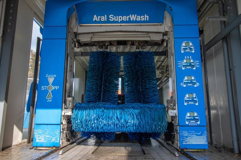 Waschanlage oder SB-Wäsche?