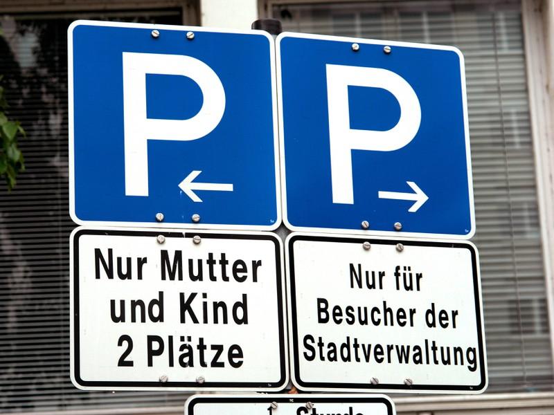 Bei Parkplätzen gibt es viele Vorschriften.