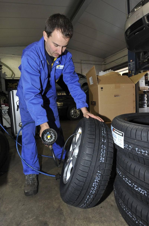 Es ist wichtig, die richtigen Reifen zur passenden Jahreszeit zu nutzen.