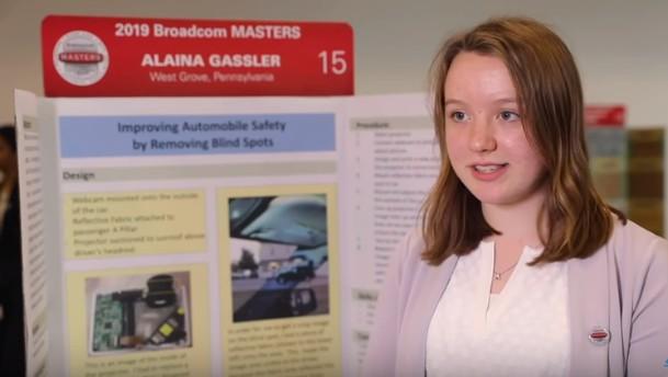 Alina Glasser ist eine Teenagerin aus den USA, die eine Lösung für das Problem mit dem toten Winkel am Auto gefunden hat.