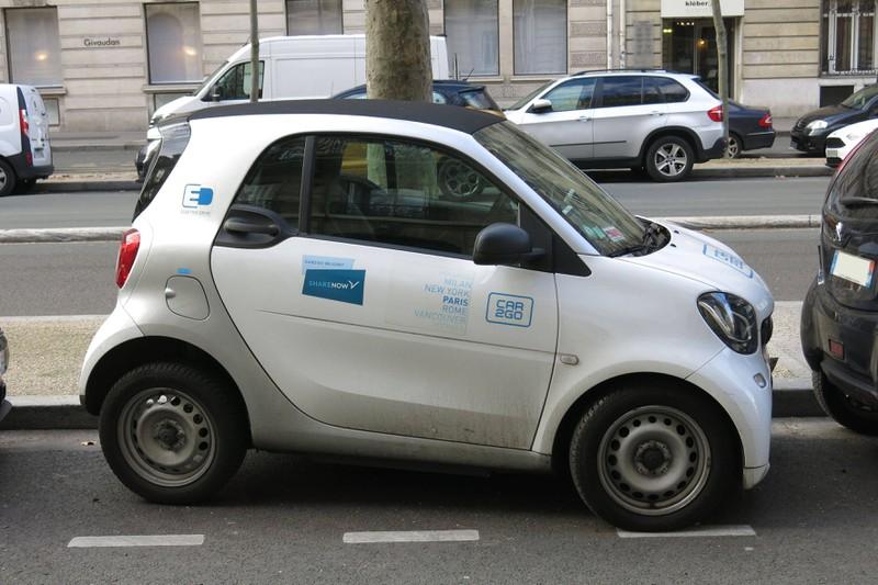 Smartbesitzer*innen dürfen sich nicht anders hinstellen, als die Verkehrsordnung es angibt.
