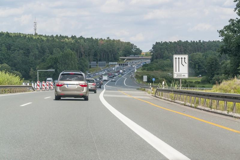 Das Fehlverhalten sollte unbedingt vermieden werden: Die falsche Straßenbenutzung