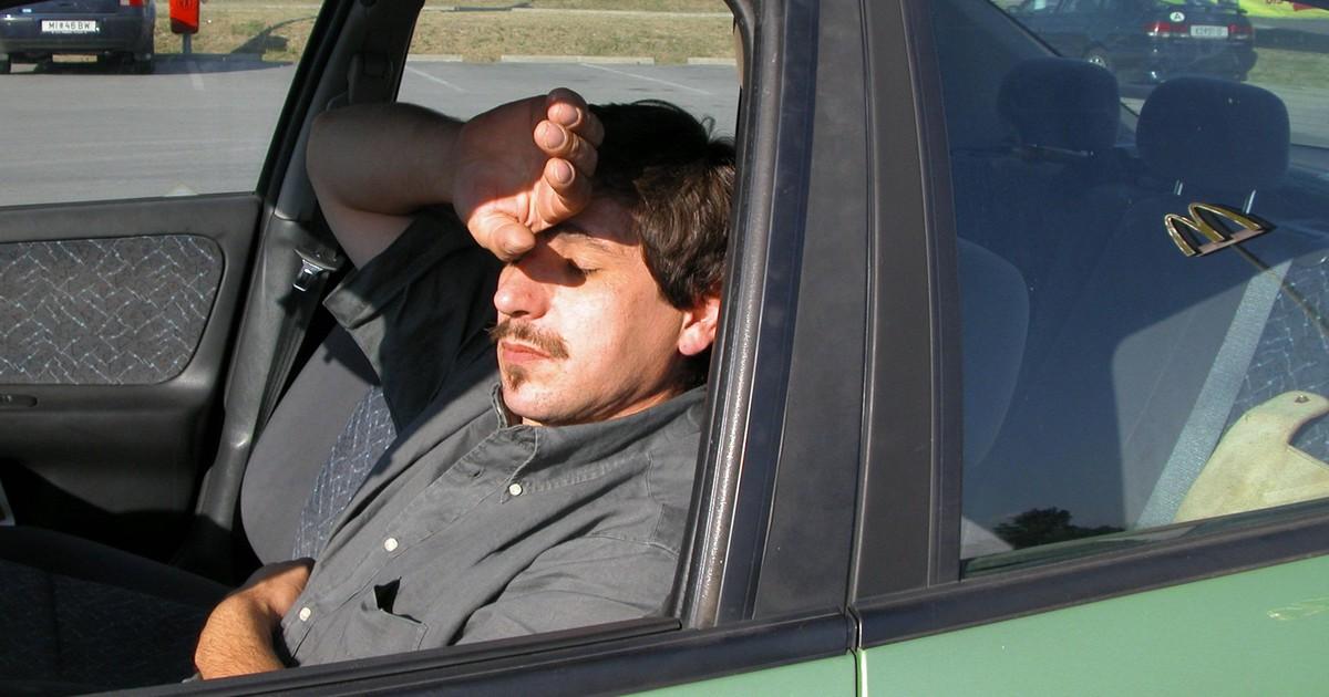 Trotz Parken in der Hitze: So wird das Auto-Einsteigen erträglicher: