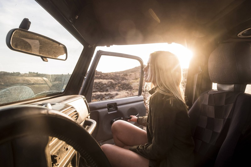 Durch Anhänger am Rückspiegel kann der Autofahrer abgelenkt werden.