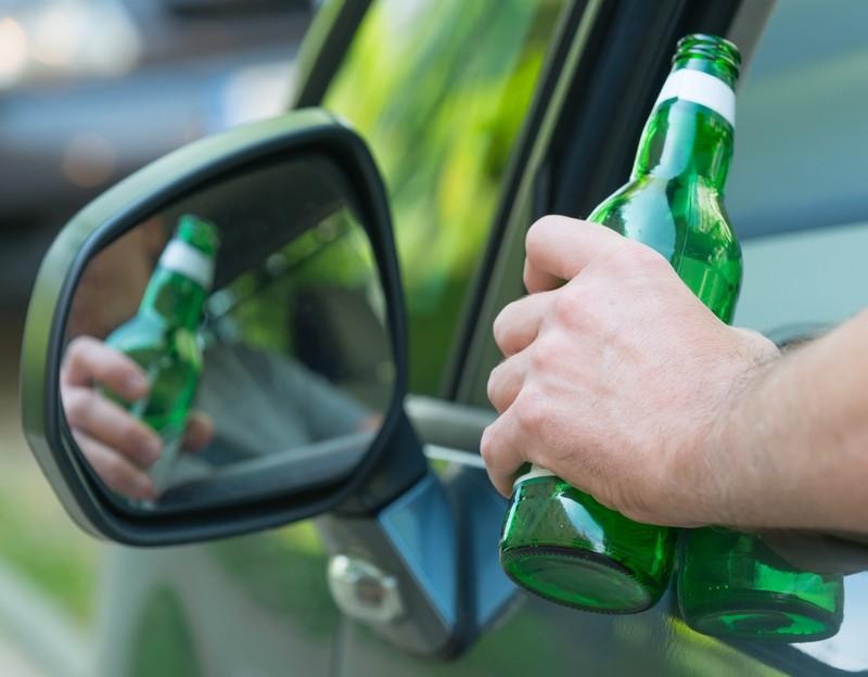 Beim Autofahren sollte man dennoch kein Bier trinken.