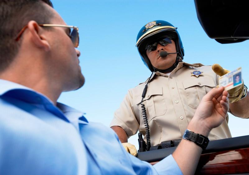 Man muss nun seinen Führerschein bis zu einer gewissen Frist umtauschen.