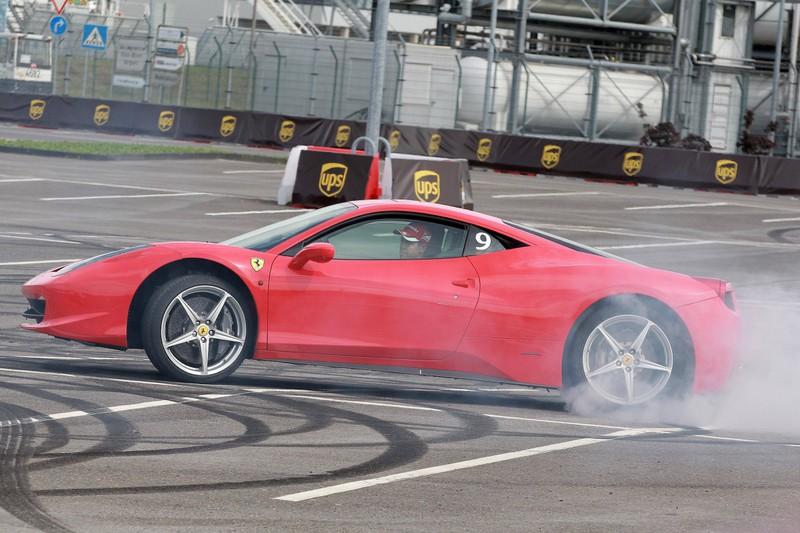 Einen Ferrari zu schrotten ist eine teure Angelegenheit