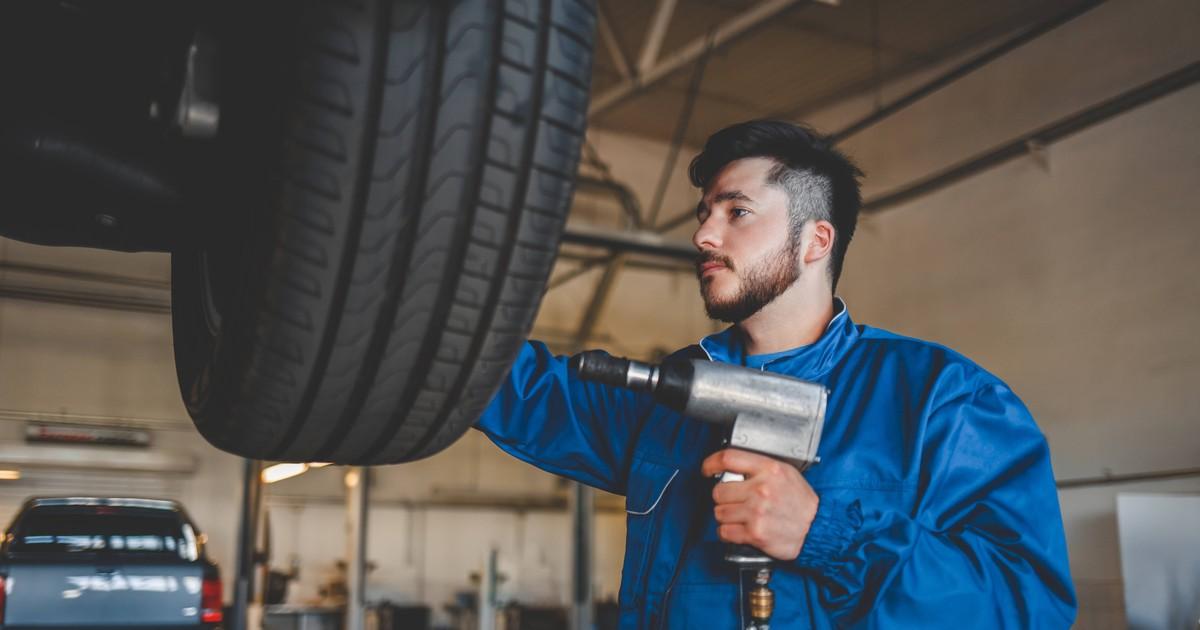 10 Reifenfails aus der Werkstatt, die dich staunen lassen